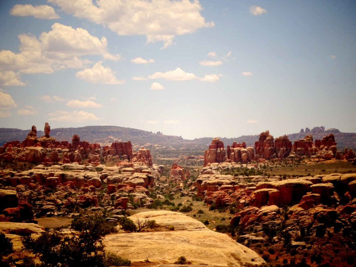 Hike Chesler Park Loop Trail – Canyonlands National Park, Utah